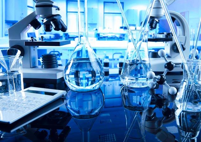 neteja de laboratoris i sales blanques
